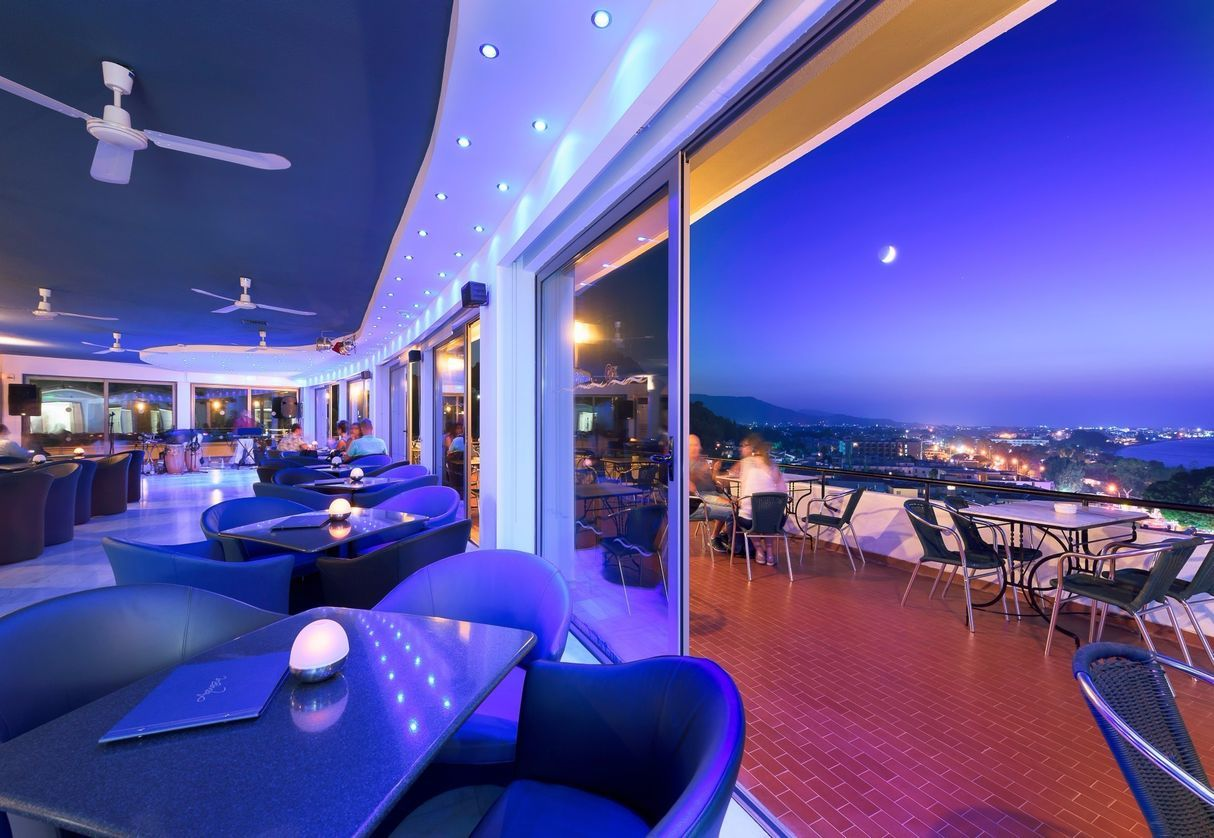 Aquasia_Roof_Top_Bar